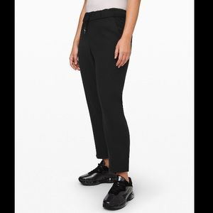 Lululemon NWT On The Fly 7/8 Pant *woven